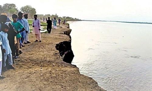 Ravi erosion threatens three villages