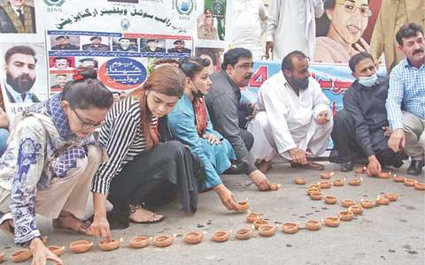 '2,355 policemen fell fighting crime in Sindh'