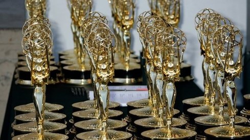 Covid worries send Emmy Awards show outdoors