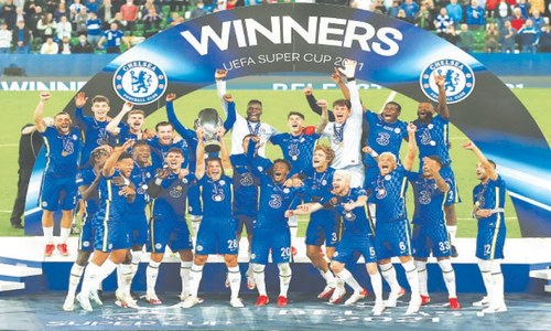 Late sub Kepa the hero as Chelsea win Super Cup on penalties