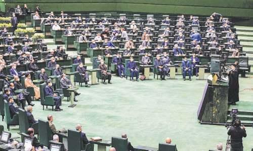 Raisi says tackling Covid, reviving economy priorities