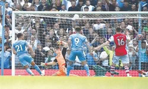 City compound Arsenal's misery, Everton extend strong start