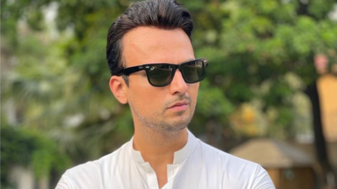 Usman Mukhtar to star in upcoming 'female centric' drama Sinf e Aahan