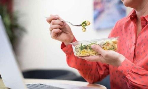 کووڈ سے متاثر ہونے کا خطرہ کم کرنے میں مددگار بہترین غذا