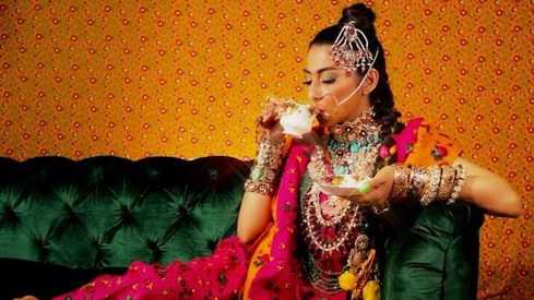 Meesha Shafi brings her electro pop A game with new single 'Hot Mango Chutney Sauce'