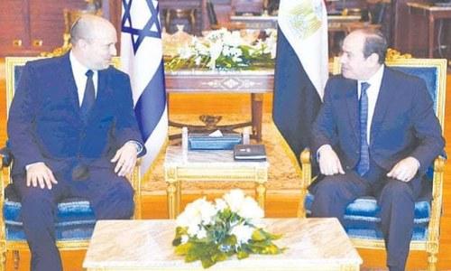 اسرائیلی وزیراعظم کا ایک دہائی میں مصر کا پہلا دورہ، صدر عبدالفتاح السیسی سے ملاقات