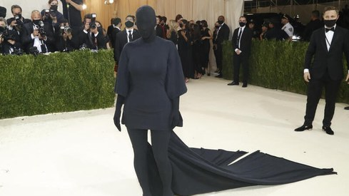 No one, including Kareena Kapoor, really got Kim Kardashian's Met Gala look