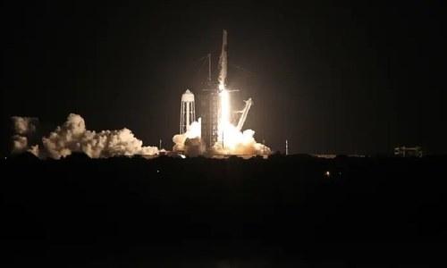 اسپیس ایکس کی پہلی خلائی مسافر پرواز زمین کے مدار میں پہنچنے میں کامیاب