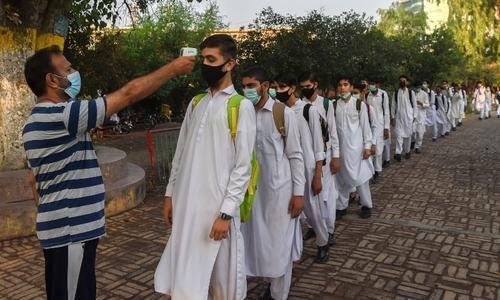 Covid positivity rate decreases in Peshawar, Mardan