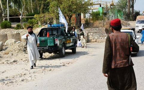 At least 2 dead in explosions targeting Taliban vehicles in Jalalabad