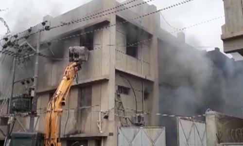 مہران ٹاؤن فیکٹری آتشزدگی، تفتیشی افسر کو پانچ دن میں رپورٹ پیش کرنے کا حکم