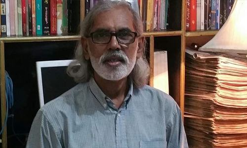 Senior journalist Waris Raza released hours after being 'abducted' from Karachi home
