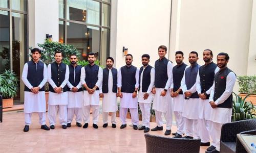 قومی ٹیم کی وزیر اعظم سے ملاقات،ورلڈ کپ میں کارکردگی سے جواب دینے کا مشورہ