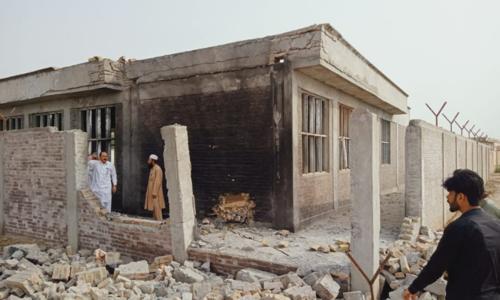 خیبر پختونخوا: ٹانک میں بم دھماکے سے لڑکیوں کے اسکول کا کلاس روم تباہ