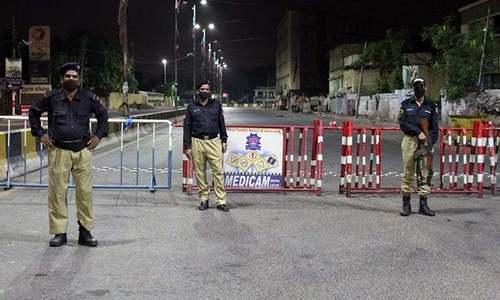 کراچی: پولیس کو ویکسین کارڈ نہ رکھنے والوں کی گرفتاری سے روک دیا گیا