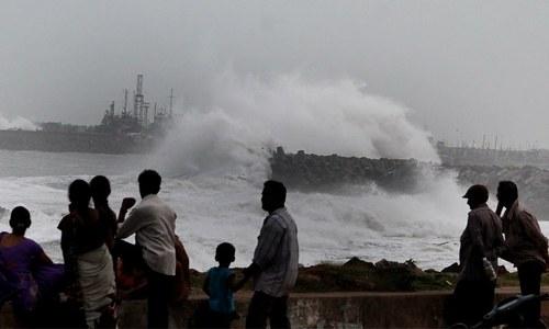 طوفان 'گلاب' بھارتی ساحل سے ٹکرانے کے بعد ہوا کے شدید دباؤ میں تبدیل