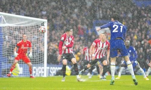 Chelsea go top as United stumble again