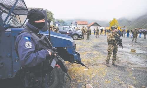 Serbs lift roadblocks in Kosovo, Nato moves to end car plate row