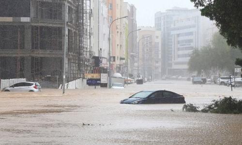 عمان، ایران میں سمندری طوفان سے 9 افراد جاں بحق