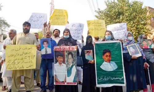 Families of APS attack victims oppose amnesty to TTP
