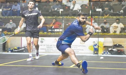 Tayyab falls as Dussourd sets up El Sirty final