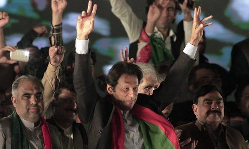 'عمران خان کی محبت میں 200 روپے کا فی لیٹر پیٹرول بھی قبول ہے!'