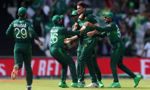 Cricket-angry and hungry, Pakistan look to storm T20 World Cup