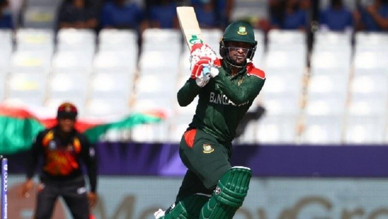 Shakib powers Bangladesh into Super 12s