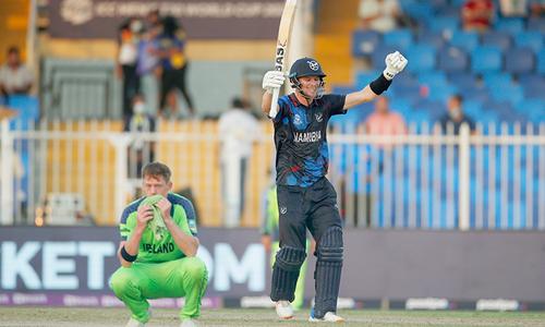 آئرلینڈز اور نیدرلینڈز کو شکست، نمیبیا اور سری لنکا سپر 12 راؤنڈ میں پہنچ گئے