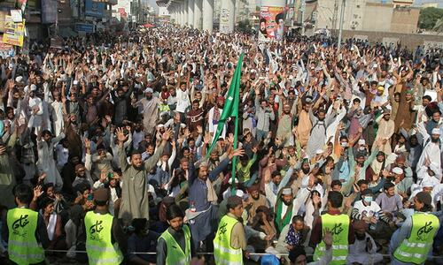 Several roads remain blocked in Lahore, Islamabad as TLP protest continues