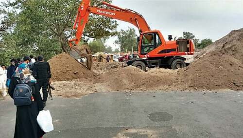 Trench dug up on GT Road to prevent TLP march