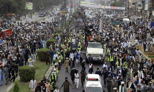 TLP march pierces through multi-tier security in Lahore and Sheikhupura, baffles police