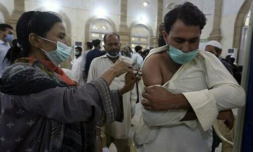 پاکستان نے ویکسین کی 10 کروڑ خوراکوں کا سنگ میل عبور کرلیا