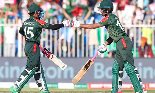 ورلڈ کپ ٹی 20: 172 رنز کے تعاقب میں چار سری لنکن کھلاڑی آؤٹ