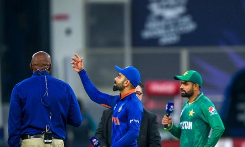 ٹی20 ورلڈ کپ: پاکستان کا بھارت کے خلاف ٹاس جیت کر باؤلنگ کا فیصلہ