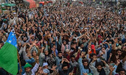Government yields to TLP, frees 350 activists