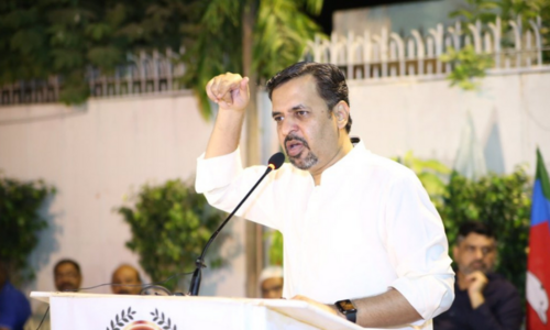 People fed up with PTI, PPP govts, says Kamal