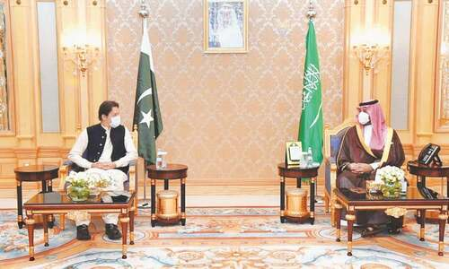 Imran urges serious, joint efforts to tackle climate change