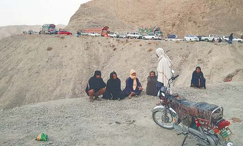 Quetta-Chaman highway blocked by protesting traders