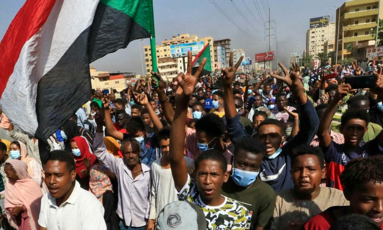 تصاویر: سوڈان میں فوجی بغاوت کے بعد دارالحکومت میں مظاہرے