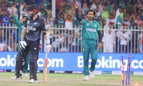ٹی20 ورلڈ کپ: نیوزی لینڈ کیخلاف 135 رنز کے تعاقب میں پاکستان کا مثبت آغاز