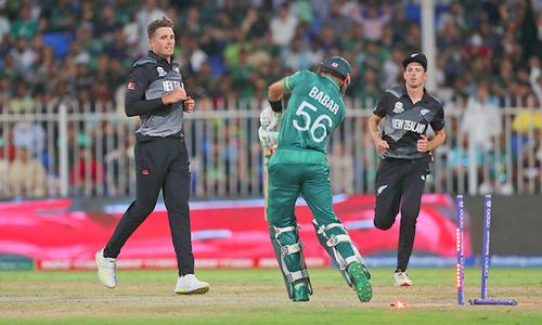 ٹی20 ورلڈ کپ: آصف اور شعیب کی جارحانہ بیٹنگ، پاکستان فتح کی جانب گامزن