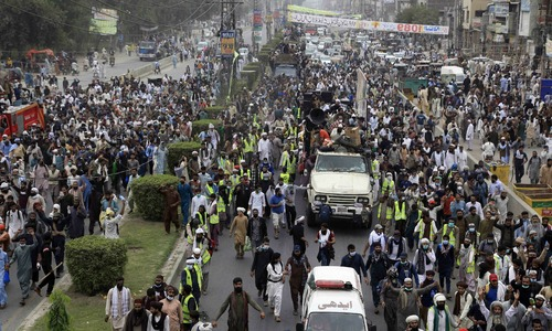 At least one policeman martyred as law enforcers clash with TLP workers near Muridke