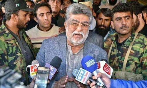 جام کمال  نے وزیر اعلیٰ بلوچستان کیلئے پی ٹی آئی امیدوار کی حمایت کردی