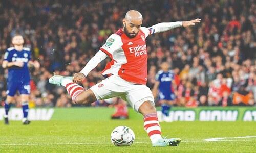 Chelsea survive shootout to reach quarters