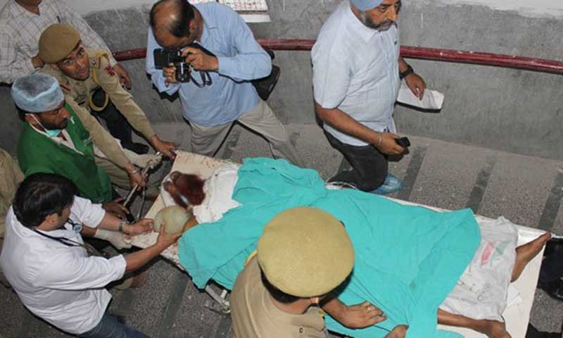 Photo shows Pakistani prisoner Sanaullah Haq at India's central Jammu jail being shifted to the intensive care unit at a hospital in Jammu on May 3, 2013, after being attacked by Indian inmates at the prison. – File Photo