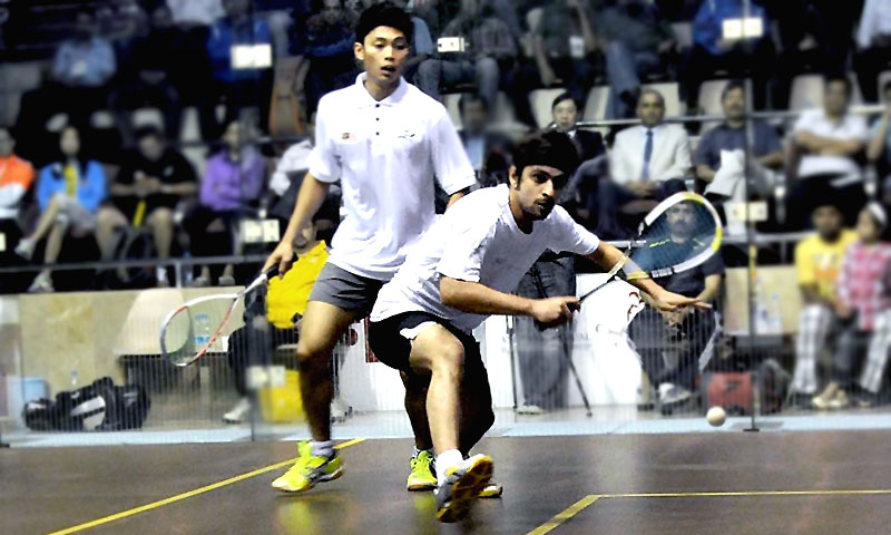 Amir Atlas (r) seen here in action against Muhammad Asyraf Azan of Malaysia. -Photo by APP