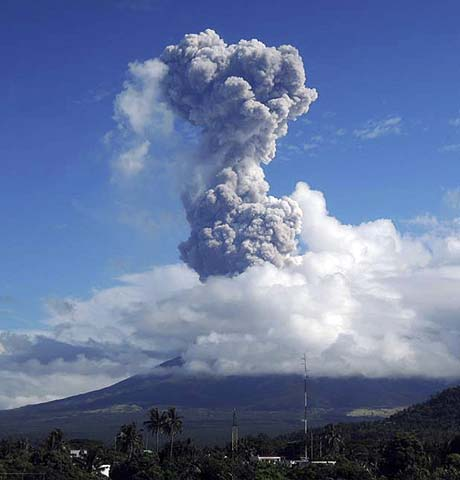 Ash rises after a mild eruption of Mayon Volcano in Legazpi city in central Philippines. Four people, including three foreign tourists climbing near the mouth of Mayon Volcano were killed after Philippines' most active volcano spewed burning ashes on Tuesday morning. Disaster officials said rescue efforts are underway to evacuate six other climbers injured in the ash explosion, local media reported.—Photo by Reuters