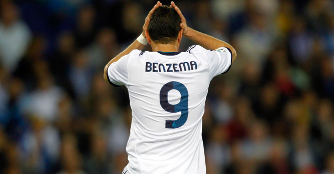 Real Madrid's Karim Benzema reacts during the match. -Photo by Reuters