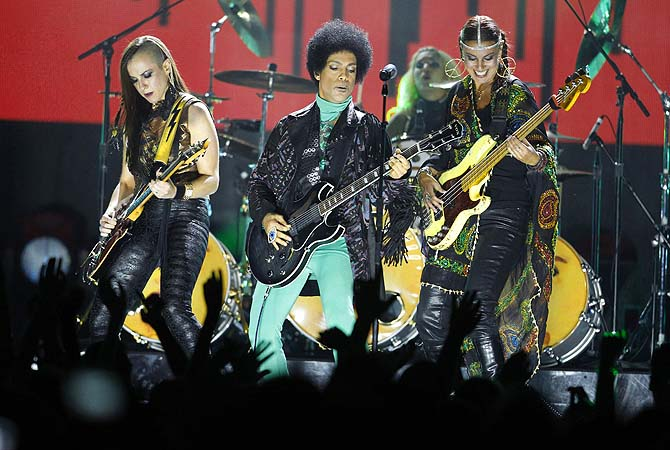 Prince performs during the Billboard Music Awards at the MGM Grand Garden Arena in Las Vegas, Nevada.—Photo by Reuters